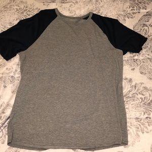 Men's lulu lemon shirt
